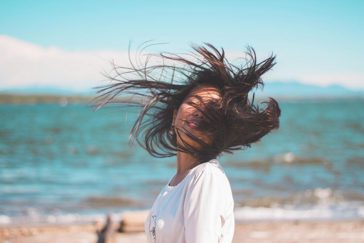 دانلود صدای باد [وزیدن باد در جنگل، صحرا و…]