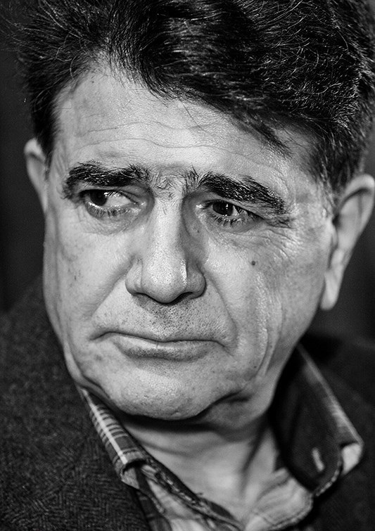 دانلود آهنگ اوست نشسته در نظر من به کجا نظر کنم از محمدرضا شجریان